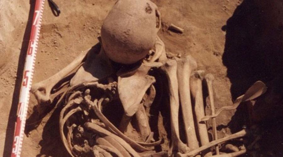 Первобытная онкология Долгое время ученые считали онкологические заболевания бичом лишь современного человека. Однако, в 2014 году в Сибири были найдены останки воина, погибшего от рака простаты, то есть ужасное заболевание терзало людей еще 4 500 лет назад.