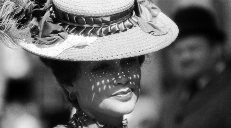 Аристократка в законе Путешествие по Европе принесло Софье очень хорошие деньги. Наскучив тамошним обществом, красотка вернулась в Москву, где вошла к представителям высшей уголовной касты, клубу «Червонные валеты». В Петербурге же девушка создала собственную банду, которой управляла совместно со знаменитым налетчиком Левитом Сандановичем.