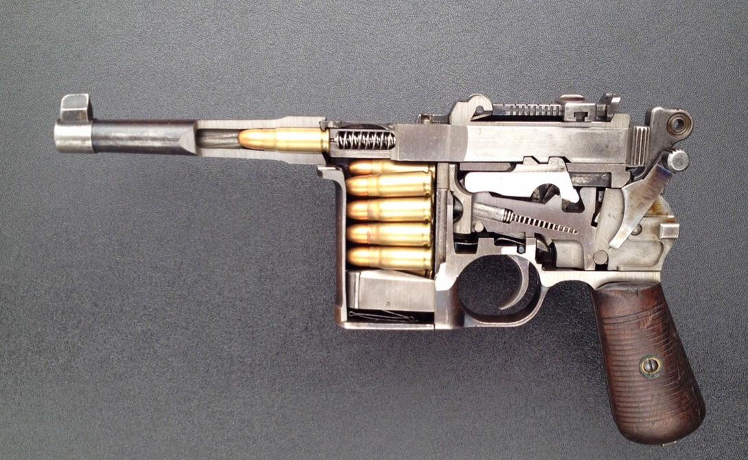 Технические характеристики Магазин:6, 10 или 20 патроновКалибр:7,63х25 — 9х25 ммДальность стрельбы:до 1000 м.Вес без патронов: 1250 гДлина:312 ммДлина ствола:140 мм (в укороченных моделях — 98 мм)