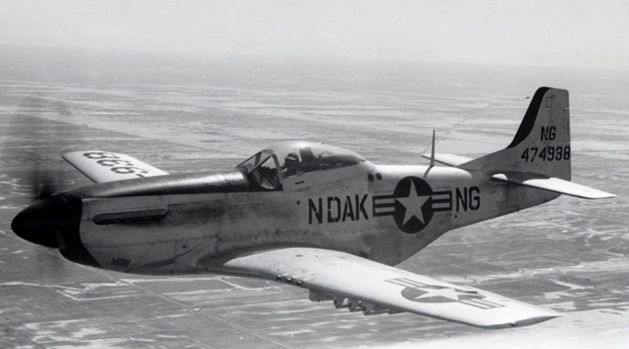 Бой Гормана Схватка пилота ВВС США Джорджа Гормана и предполагаемого НЛО произошла 1 октября 1948 года. Столкнувшись с таинственным шаром, бравый вояка атаковал возможно противника, но тот предпочел бегство. Горман преследовал НЛО еще полчаса, затем объект стремительно набрал высоту и растворился в бескрайнем небе.