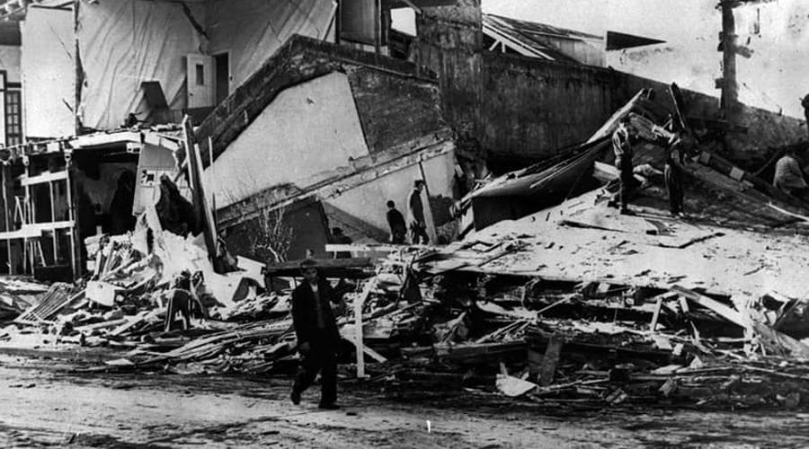 Вальвидия 22 мая 1960 года землятресение в 9,5 баллов в щепки разнесло чилийский город Вальвидия. Самое мощное землятресение в истории, сила которого составила невероятные 178,000,000,000 тонн в тротиловом эквиваленте, унесло десятки тысяч жизней.