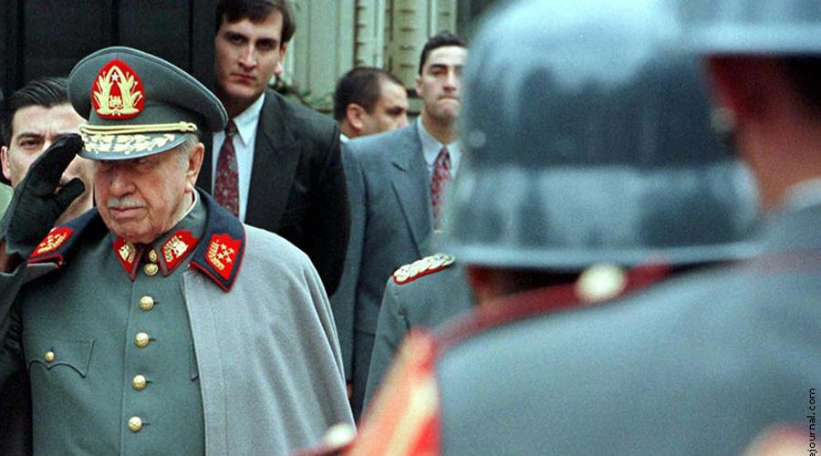 Операция Тукан Правление Аугусто Пиночета ставило под вопрос саму возможность осуществления в Чили коммунистического переворота. Операция «Тукан» была направлена на создание негативного облика Пиночета в западных СМИ, чтобы воздействовать на диктатора руками западных же политиков. За короткое время в New York Times вышло около 70 статей о чилийской диктатуре, деятельности Красных кхмеров в Камбодже и нарушениях прав человека на Кубе. Все это имело огромное влияние на политику, а некоторые из писем стоили места замглавы ЦРУ Альберту Шнобски, облыжно обвиненному в скрытом преследовании чилийских политических беженцев.