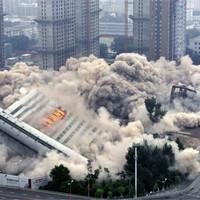 Взрыв уничтожил 19 китайских домов за секунды