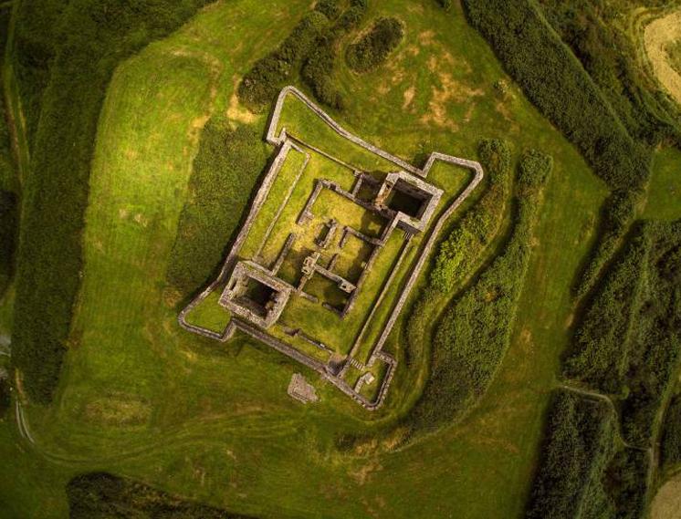 Джеймс Форт в Castlepark Village, Ирландия