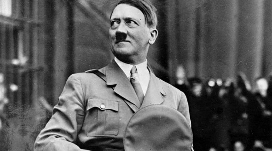 Гитлеровская Германия Вглубинах Западной ЕвропыБедными людьми будет рождён маленький ребёнок,Он— тот, чьим языком будут соблазнены великие войска,Его слава возрастёт напути кВостоку Адольф Гитлер был действительно рожден в бедной семье и действительно поднялся так высоко благодаря своим ораторским навыкам. Все прочее также подходит под исторические события.