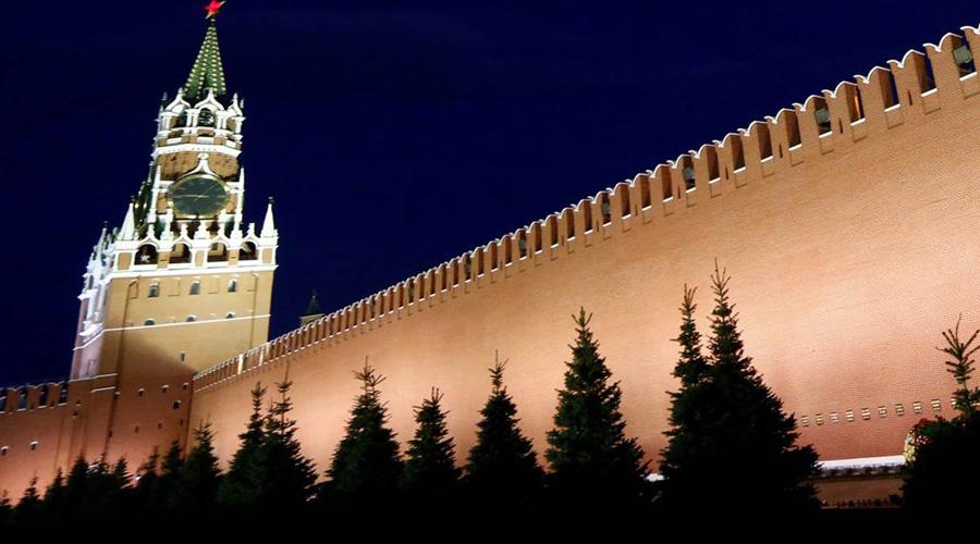 Реакция России Естественно, Кремль не мог оставить подобные заявления без комментариев. По словам Дмитрия Пескова, Россия будет обязана отреагировать на любые внешние угрозы, даже те, что лежат вне материального плана. В целом ситуация признана серьезной и несущей опасность для безопасности всего всего мира.
