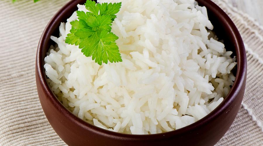 Противопоказания Как и любая диета, рисовая противопоказана людям с больным желудком, да и после болезни на нее садиться не стоит. И палку перегибать тоже не нужно: за семь дней рисовой монодиеты лишний вес сбросит даже борец сумо. Мультивинамины помогут избежать возможного дефицита витаминов и минералов — выбирайте те, где калия побольше.