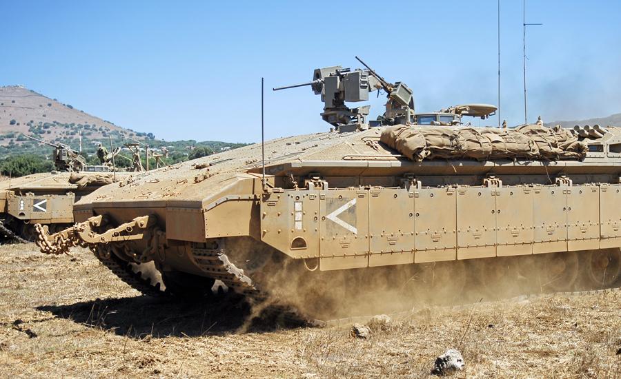 Намер Бронетранспортер «Намер» построен на базе ранней модели танка Merkava Mk.1. Башня и пушки демонтированы, а вместо них навешено огромное количество брони. В результате Namer весит столько же, сколько и танк, но обладает большей защищенностью. У Израиля примерно 120 бронетранспортеров, разбитых на три батальона.