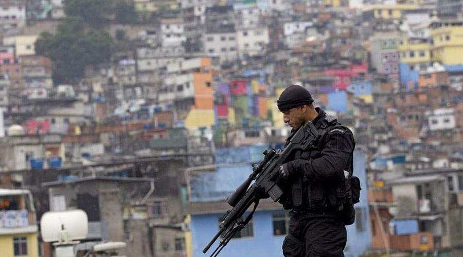 Бразилия Бразилия по-прежнему может похвастать крайне высоким уровнем убийств. Кроме того, вспышка эпидемии Зика также должна стать барьером для любого думающего путешественника.