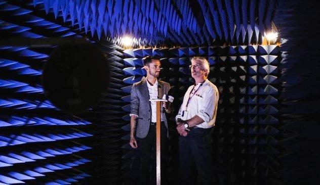 Telstra Lab Австралийская телекоммуникационная компания Telstra также недавно представила разработку из недр собственной секретной лаборатории. Здесь трудятся над особым типом передачи сигнала, который сможет «добивать» до самых отдаленных уголков австралийского континента.