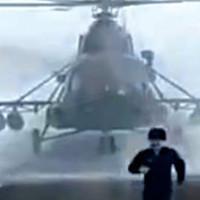 Военный вертолет заблудился: бедняге помогли дальнобойщики