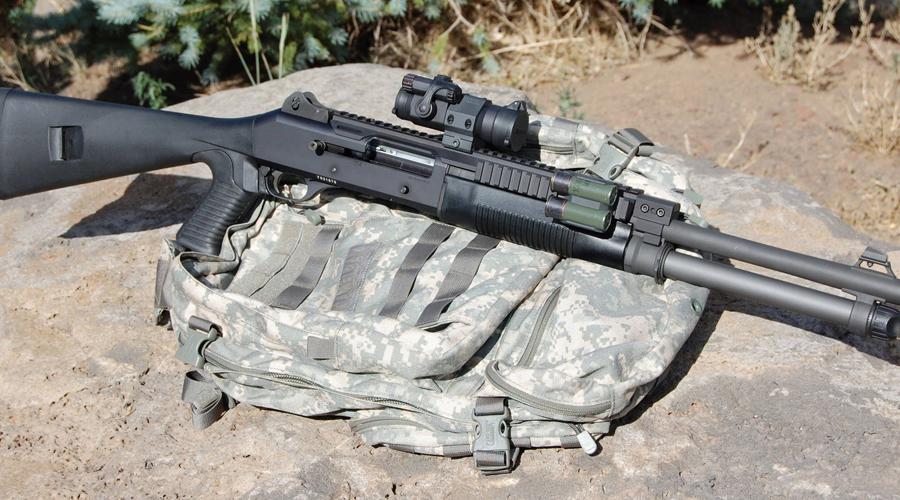 Стрелковое оружие спецназа Пистолеты: MK23 Mod 0 .45 cal SOCOM; M11 Sig Sauer р228 (9мм)Штурмовая винтовка: M4A1 (5.56мм)Снайперская винтовка: M82A1Пистолет-пулемет: HK MP5 Submachine Gun (9мм)Боевой дробовик: Benelli M4 Super 90