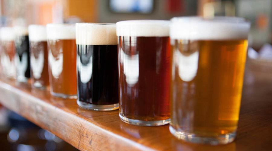 Вечная молодость<br /> Тот же самый флавонид ксантохумол защищает наш мозг от болезни Альцгеймера и даже спасает от болезни Паркинсона. Ученые из Оксфорда рекомендуют каждому человеку выпивать не менее полулитра светлого пива в день. Разливного, разумеется.