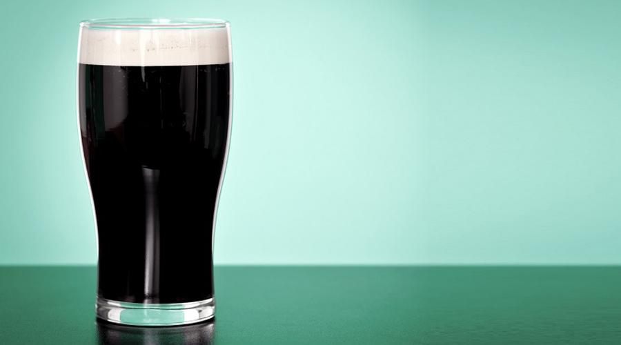 Низкокалорийное блюдо Верить ли парням из Guiness, которые утверждают, что пиво низкокалорийно? Наверное стоит, пусть они и заинтересованная сторона. Кроме того, независимые эксперты уже подтвердили выводы пивоваров: даже темные сорта пива содержат меньше калорий, чем апельсиновый сок.