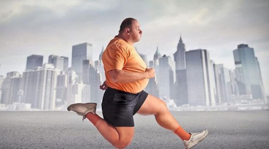 Бег 755 калорий/час Заняться бегом проще всего. Вы можете страдать от лишнего веса и все равно начать тренироваться, постепенно наращивая нагрузки. Бег со скоростью в 8-10 км/ч позволит за час сжечь почти восемьсот калорий.