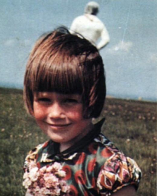 Космонавт Фотография была сделана Джимом Темплтоном в 1964 году. Фигура за девочкой в кадре не присутствовала — можете себе представить, как испугалась семья при распечатке снимка.