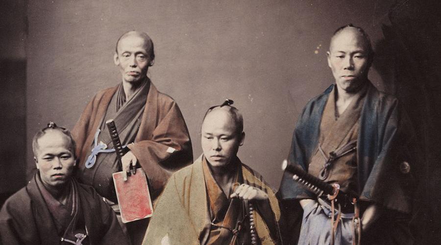 Гомосексуализм Как ни странно, но мужественные самураи разделяли пристрастие древних греков к мальчикам. Интимные отношения с учениками назывались сю-до, то есть «Путь юноши». Практиковали его почти до конца XIX века.