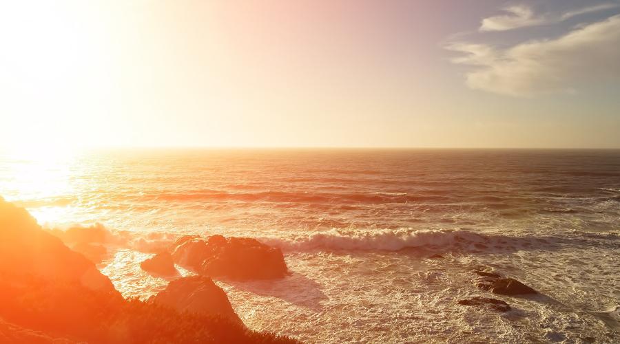 Кто рано встает Тот строен и строг. Солнце действительно способно упорядочить весь наш дневной ритм, можете и сами проверить это на личном опыте. Проснитесь пораньше и почувствуете, что и перекусывать сладким перехотелось (организму больше не нужна подпитка глюкозой) и энергии стало как-то побольше.