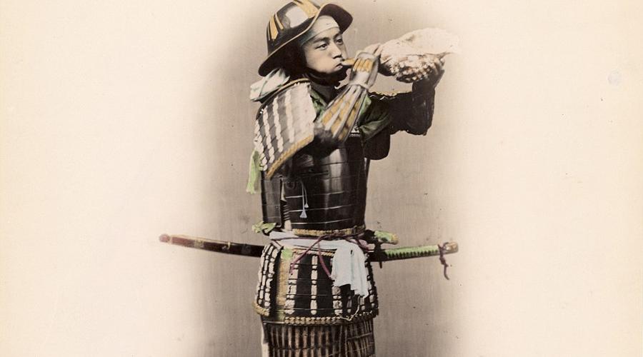 Влияние на культуру Несмотря на то, что самураи составляли лишь 10% от всего населения страны, они оказали существенное влияние на японскую культуру. Более того, сегодня мы знаем Страну восходящего солнца как оплот честных, мужественных и беспощадных бойцов — пусть в реальности дела обстояли и не совсем так.