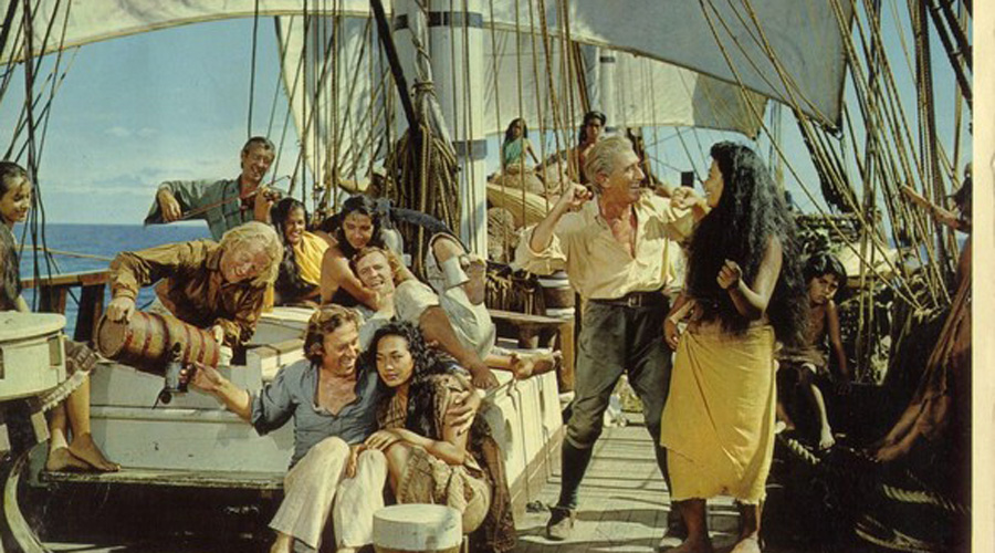 Прощение Короны К 1800 году Адамс оставался единственным мужчиной на острове. Он как мог старался воспитывать 19 детей, что было не так-то просто с гаремом из 9 женщин. Но мир был окончательно восстановлен, когда на островок наткнулся американский корабль. В конце концов, за успешное поддержание пусть маленькой, но все же колонии, Адамс получил полное прощение от Короны — что было просто неслыханно для того времени, когда любые попытки мятежа на море безусловно карались смертью.
