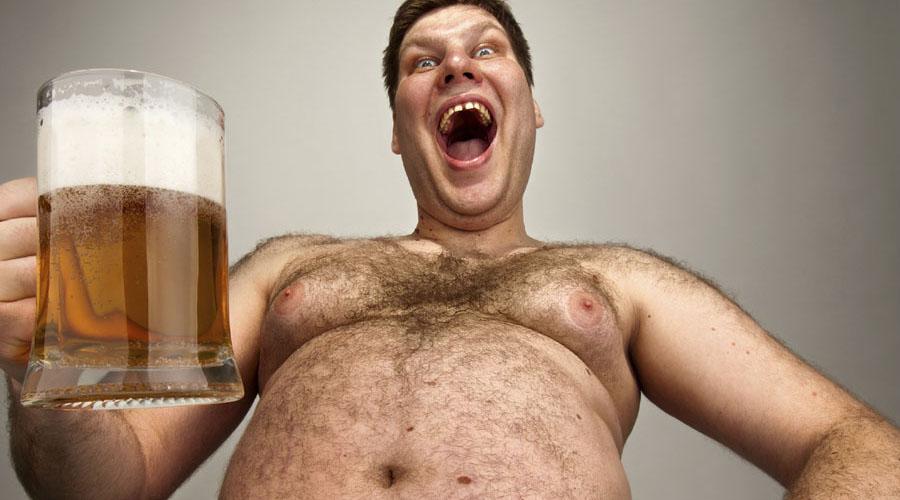 Пивное брюхо<br /> И самая главная опасность, пивное брюхо, бывает вовсе не от пива. Такой придаток вырастает лишь у тех, кто не знает удержу в закусках. Пиво без жирных чипсов, картошки фри и прочей гадости никаких последствий для фигуры не принесет.