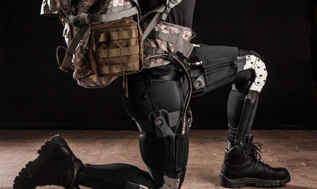 Экзоскелет Экзоскелет представляет собой роботизированный костюм, усиливающий работу всех мышц человека. Такое устройство снижает усталость и повышает производительность, превращая обычного солдата в неутомимого воина.