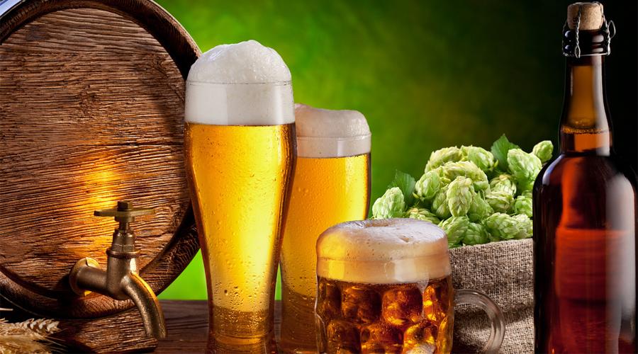 Бессмертие По результатам исследований экспертов компании Virginia Tech умеренное потребление пива действительно способно продлить жизнь. Ученые предполагают, что все дело в благотворном влиянии хмеля и солода на сердце. Любители пива живут дольше тех, кто предпочитает держаться от пенного напитка подальше — и это доказанный факт.