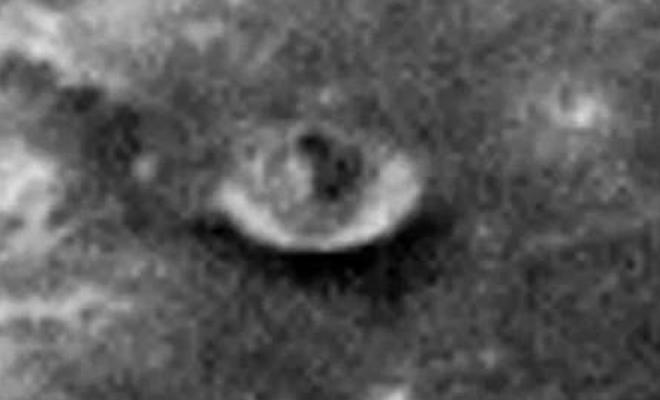 На Луне обнаруженo странное сооружение (3 фото)