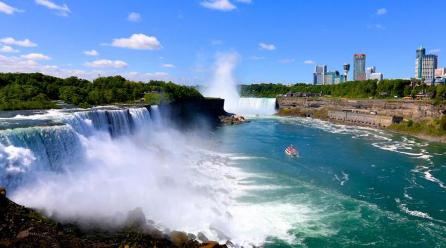 Ниагарский водопад США К сожалению, это предложение актуально только для граждан США. Правительство страны предлагает специалистам узкого профиля переехать жить у самого Ниагарского водопада, а чтобы мотивировать нерешительных, добавляет к предложению целых 7$ тысяч разовой выплатой.