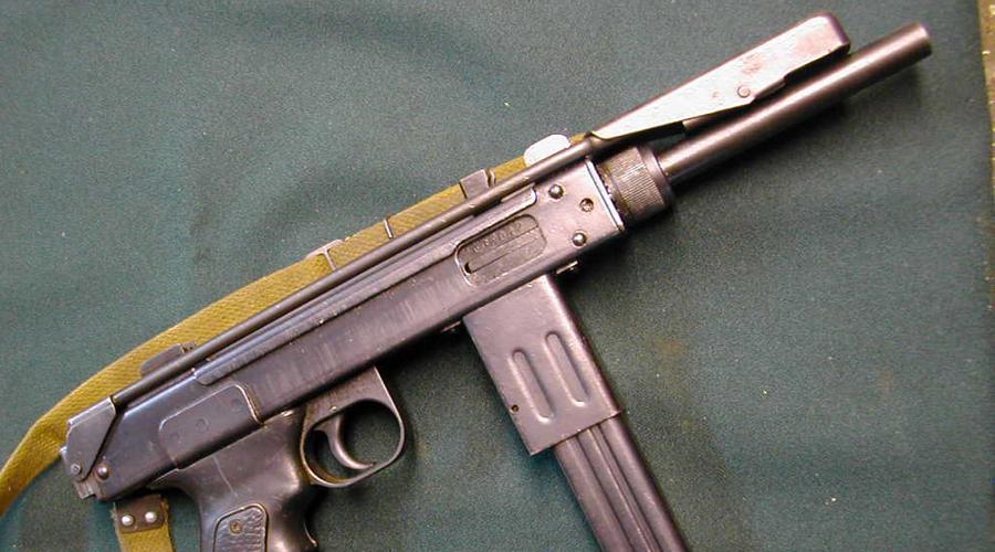 Орудие киллера Несмотря на все недостатки, пистолет-пулемет оказался идеальным оружием киллера и диверсанта. Скорострельность у «БОРЗа» феноменальная, а дешевизна позволяла без особых сожалений бросить орудие прямо на месте убийства.