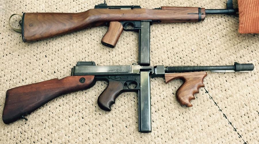 M2 Hyde-Inland Американцам в годы Второй мировой войны так и не удалось создать ни одного достойного пистолета-пулемета. Ближе всего к иностранным конкурентам подобрался M2 Hyde-Inland из конструкторского бюро Marlin Firearms. 400 экземпляров ПП разошлись по рукам, ни одной поставки в войска сделано не было.