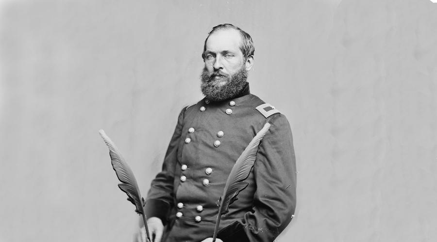 Джеймс Гарфилд В должности президента избранный в 1880 году Гарфилд пробыл всего полгода. 20 июля 1881 года Гарфилд отправился на железнодорожный вокзал Вашингтона, где и был застрелен сторонником южан, Шарлем Гито.