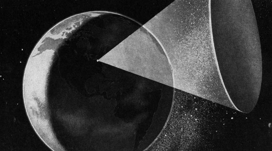 Солнечная пушка Герман Оберт придумал проект солнечной пушки в 1923 году. Планировалось вывести на орбиту огромное зеркало, способное управляемо фокусировать лучи солнца на целые города. Звучит как полное безумие, однако немцы даже предприняли первые шаги по осуществлению плана. В развалинах секретных берлинских лабораторий советские войска наткнулись на переделанную Фау-2 и чертежи амбициозного проекта.