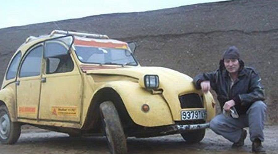 Граница на замке Из города Тан-Тан путешественник двинулся в Мавританию. Однако, в ту пору на территории Западной Сахары начались боевые действия с очередными повстанцами и Эмилю не дали пересечь границу — дескать, опасно в ту сторону вообще ехать. Хитрый француз сделал вид, что разворачивает оглобли, а сам двинулся на поиски обходного маршрута.
