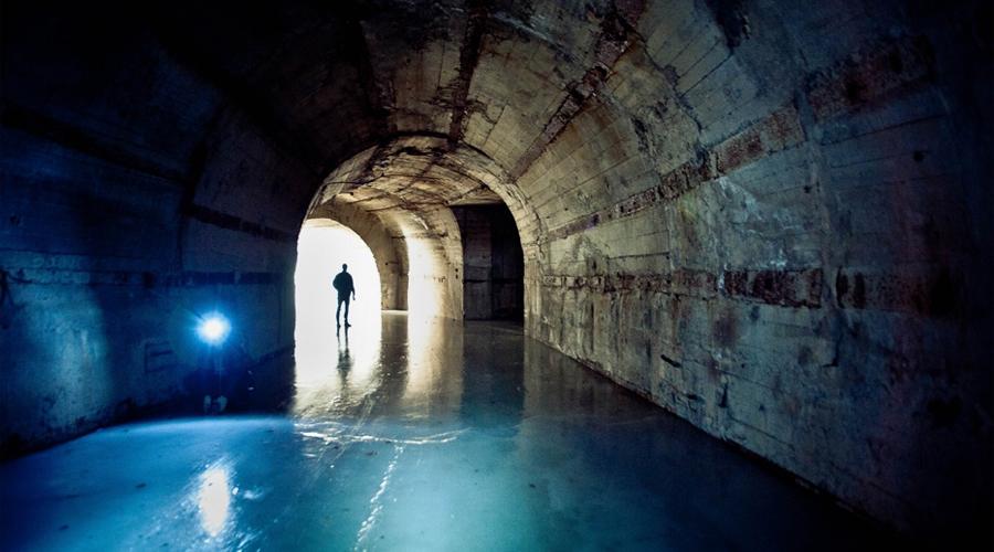 Проект «Ответ» В 60-е годы прошлого века руководство СССР инициировало старт проекта под кодовым наименованием «Ответ». Советскому Союзу требовалась совершенно секретная база атомных подводных лодок, откуда будет нанесен ответный удар противнику в случае ядерной войны.