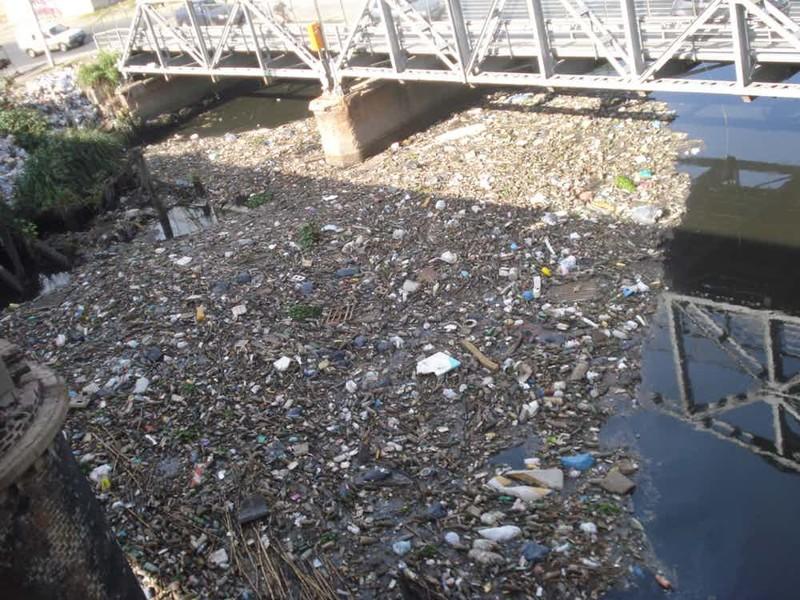 Матанса-Риачуэло Аргентина По данным Всемирной организации здравоохранения, жители аргентинского города на берегу реки Матанса-Риачуэло болеют раком в два раза чаще, чем другие люди. Может быть, все дело в невезении, а может и в том, что в ту же реку сливают свои химические отходы сразу четыре крупных завода.