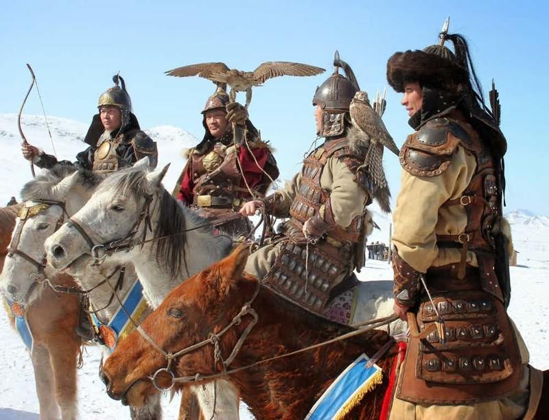 Великий уничтожитель Амбиции Чингисхана стоили жизни 40 миллионам человек. Это означает, что кровавый завоеватель уничтожил 11% населения всей планеты на тот момент. Более того, смерть стольких людей охладила и климат планеты на весь XIII век, ведь в атмосферу не попало около 700 миллионов тонн СО2.