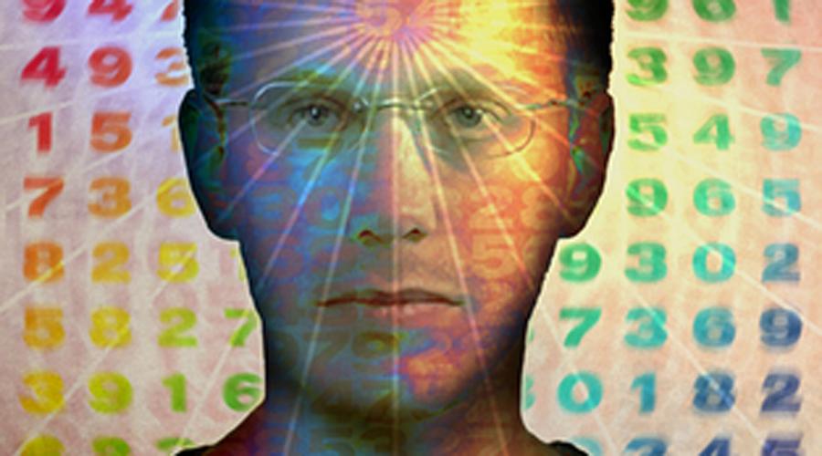 Дэниел Теммет Уникальная память Дэниел Теммет умеет запоминать невероятное количество информации. Например, он смог назвать целых 22,514 цифр числа Пи за пять часов и девять минут. Притом, большинство савантов не могут объяснить, как они достигают своих удивительных способностей, но Дэниел объясняет, что в его сознании каждое целое число до 10 000 имеет свою уникальную текстуру, цвет, форму и ощущение. Это помогло ему запомнить вещи визуально намного легче, чем среднему человеку.