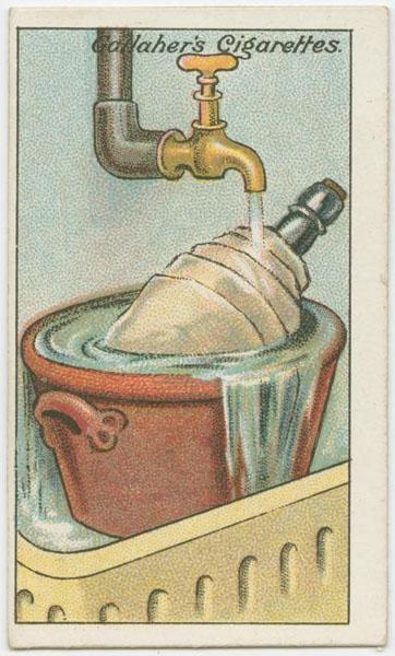 Холодное пиво Летом отключение электричества может стать настоящей проблемой. Пришел вечером с работы — а пива-то холодного и не выпить! Впрочем, решить проблему просто. Оберните бутылку в полотенце и оставьте ее под холодной водой минут на 10. Да зачем он вообще нужен, этот холодильник!