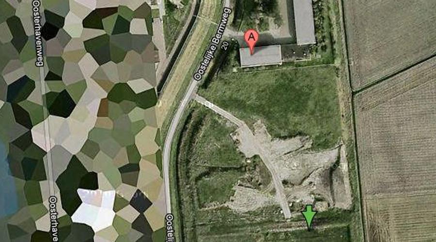 Влиссинген Недвижимость, принадлежащая голландской королевской семье, не единственные секретные и заретушированные на карте места в Нидерландах. Тщательной маскировке подверглись нефтяные резервуары во Влиссингене, а также несколько военных и военно-воздушных баз.
