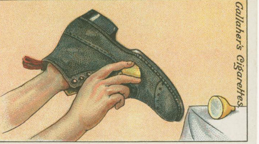 Свежесть и чистота Такой способ пригодится тем, кто застрял в отеле без обувной щетки. Разрежьте пополам обычный лимон и попробуйте провести им по ботинку — да это же шикарное средство для чистки обуви!