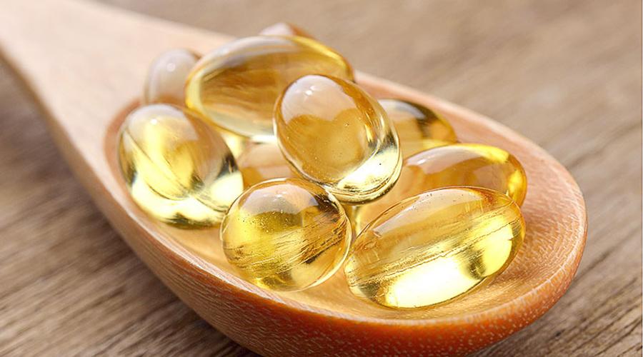 Омега-3 жирные кислоты Проще всего будет получать необходимую дозу омега-3 жирных кислот из рыбьего жира. Кроме того, они же в высокой концентрации содержаться в орехах и льняном масле. Омега-3 жирные кислоты снижают выработку лептина — гормона, который крайне негативно влияет на скорость метаболизма.