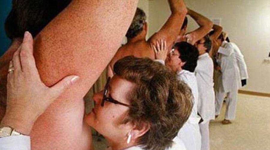 Тестировщики дезодорантов Как думаете, существует ли специальный аппарат для проверки эффективности дезодорантов? Правильно, никакого аппарата нет, а есть люди, профессии которых уж точно не позавидуешь.