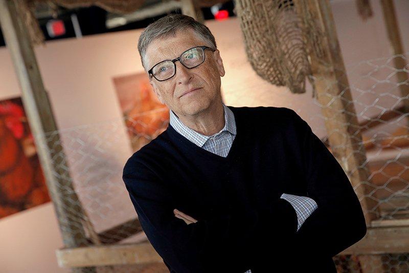 Билл Гейтс Основатель MicrosoftСедьмое место Один из самых богатых людей всего мира тратит на благотворительность огромные деньги. Билл и Мелинда Гейтс еще пятнадцать лет назад открыли благотворительный фонд по устранению социального неравенства в обществе и на сегодняшний день вложили в него более 30 миллиардов долларов. В апреле прошлого года чета Гейтс потратила примерно 776 миллионов долларов на борьбу с голодом.