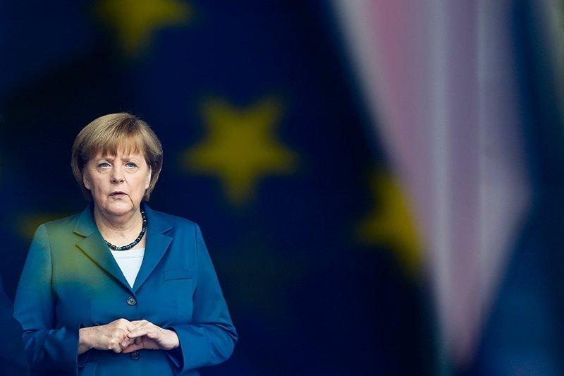 Ангела Меркель Канцлер ГерманииТретье место Вот уже десять лет Ангела Меркель остается самой влиятельной в мире женщиной. Под руководством Железной Девы экономика Германии выдержала глобальный кризис, да и целостность всего Евросоюза во многом именно ее заслуга.