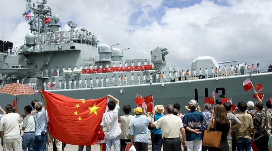 ВМФ Китай Китайский «Ляонин» пока тоже остается единственным авианосцем флота. Однако сейчас идет серьезная работа по усилению флота Народно-освободительной армии. Береговая охрана Китая используется для установления суверенитета в оспариваемых водах и получает самые большие в мире и наиболее вооруженные корабли, среди таких группировок.