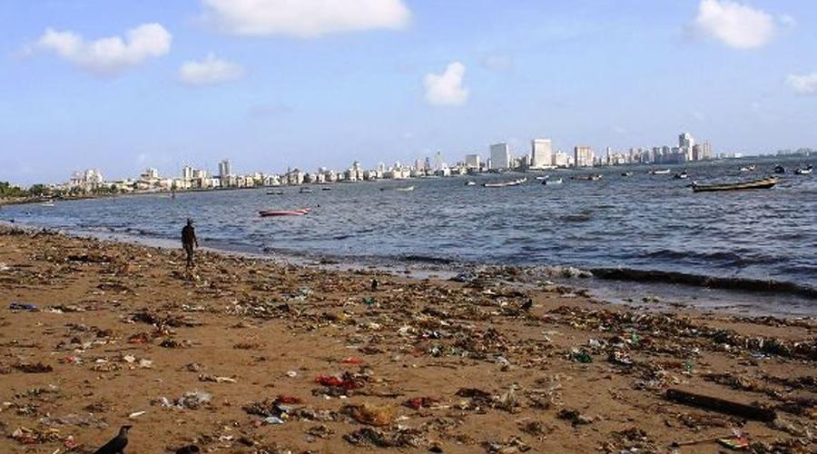 Пляж Чоупатти Индия Chowpatty Beach — один из самых знаменитых пляжей Индии, расположенный в самом сердце Мумбаи. К сожалению, это также один из самых смертоносных пляжей мира и самый загрязненный, по совместительству. Учитывая огромное количество мусора, оставленного на пляже посетителями, шансы «поймать» что-то действительно плохое здесь очень высоки.