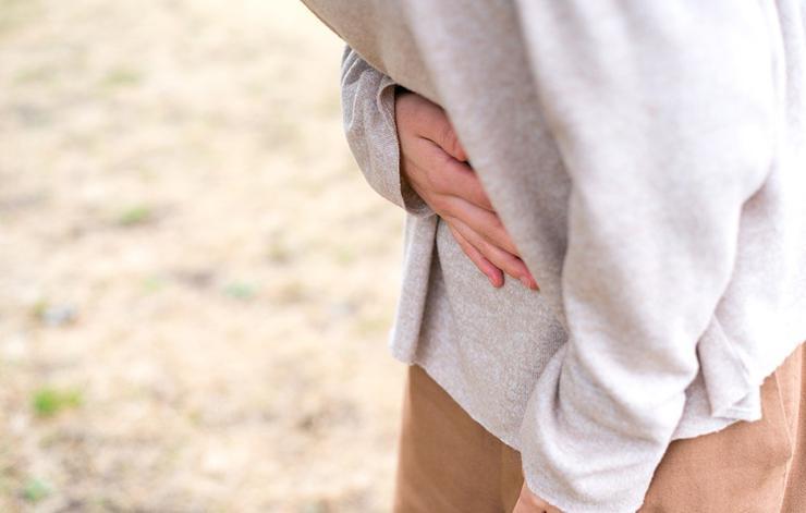 Отравление За пару часов после пробуждения под ногтями у среднего человека собирается целый химзавод дряни. А теперь вы собираетесь засунуть все это в рот? Не удивляйтесь потом вспоминая, откуда взялся желудочный грипп.