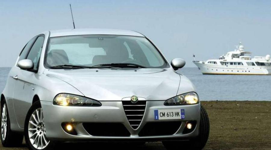Alfa Romeo 147 Еще одна ловушка для любителей б/у автомобилей. Когда-то на заре 90-х водить купе Alfa Romeo по городу было престижно. Сейчас на старичка из прошлого прочие обитатели дорог косятся с некоторым презрением: по статистике у Alfa Romeo целых 29%.