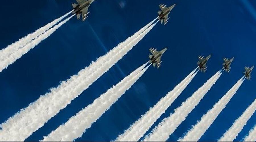 Вероятный победитель США На данный момент явное преимущество у американских F-22, хотя бы потому, что все противники еще дорабатывают свои проекты. Тем не менее пилоты Raptor должны беспокоиться уже сейчас: и Россия, и Китай создают истребители, которые будут идеальными охотниками.